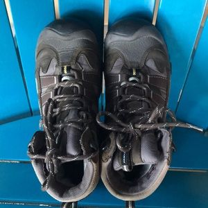 KEEN brown tan hiking boots 7